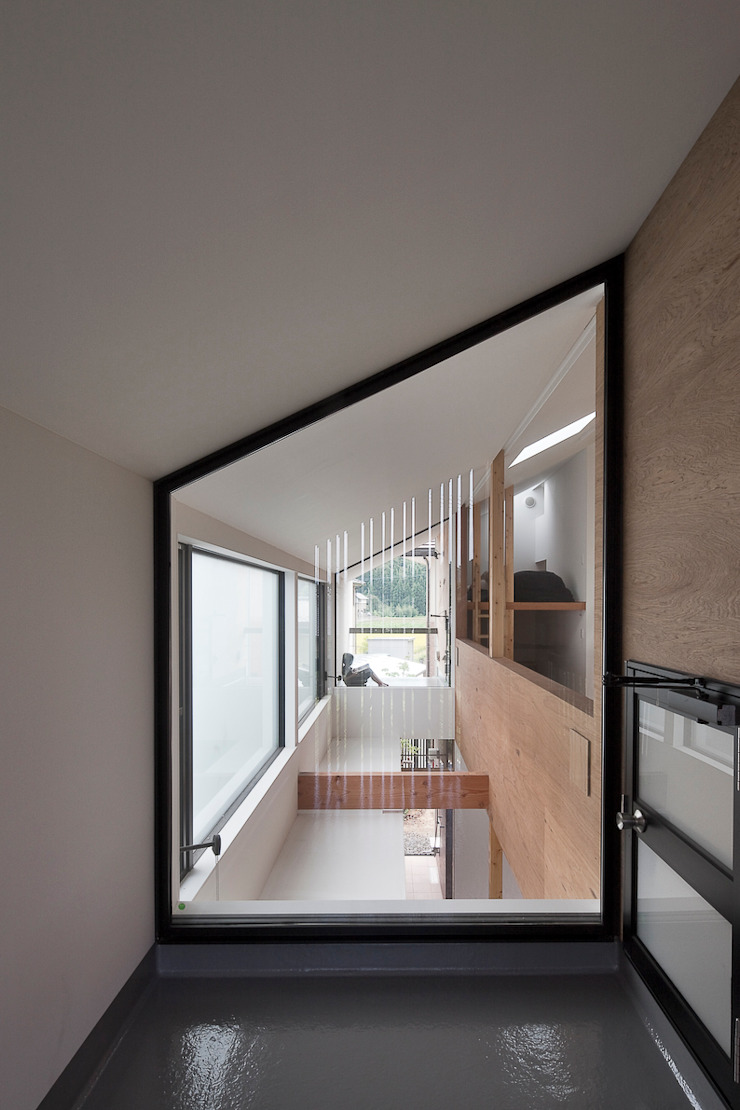 Outer Room in House by g_FACTORY 建築設計事務所