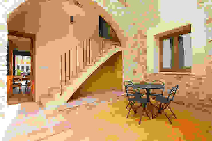 Llafranc 8 Hoteles de estilo mediterráneo de Gramil Interiorismo II - Decoradores y diseñadores de interiores Mediterráneo