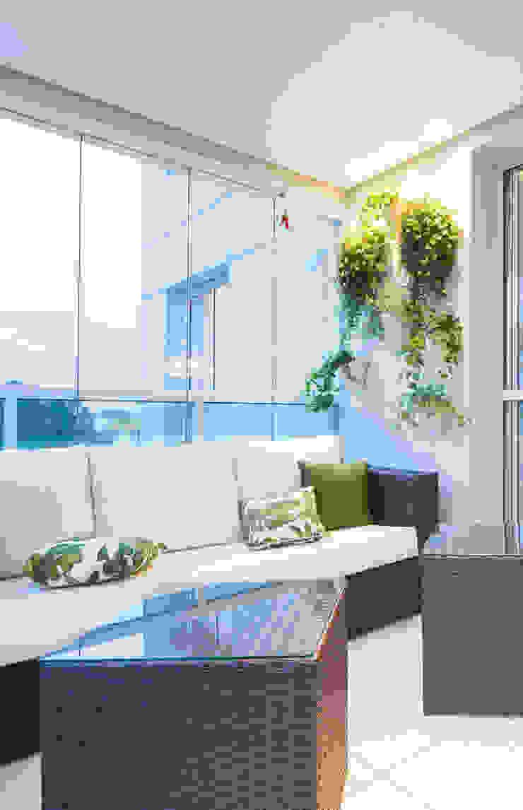 Balkon, Beranda & Teras Gaya Eklektik Oleh ArkDek Eklektik