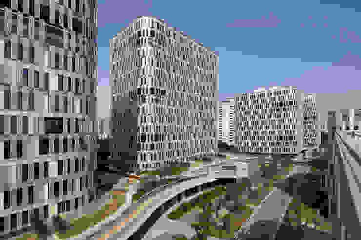 上海漕河経3号地オフィスプロジェクト: 長谷川逸子・建築計画工房が手掛けた現代のです。,モダン