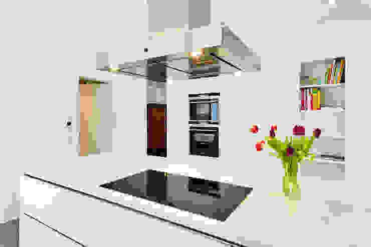 Haus Z - Einfamilienwohnhaus in Seeheim Moderne Küchen von Helwig Haus und Raum Planungs GmbH Modern