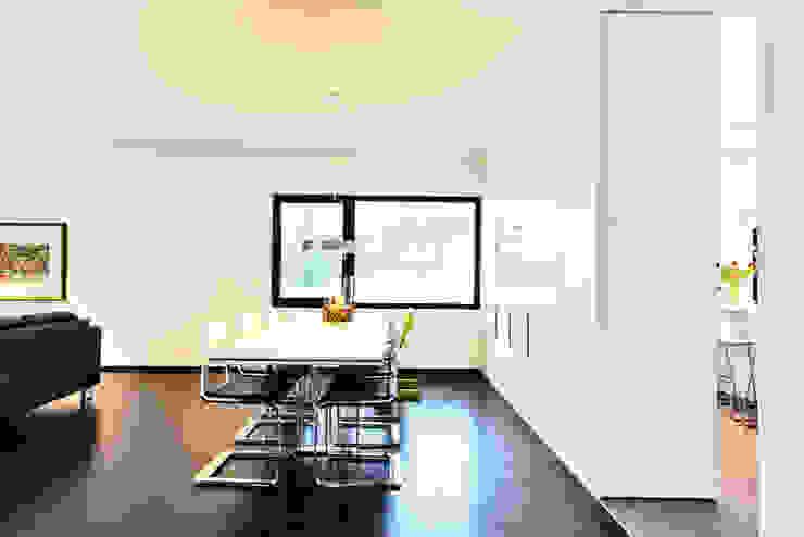 Haus Z – Einfamilienwohnhaus in Seeheim Moderne Esszimmer von Helwig Haus und Raum Planungs GmbH Modern