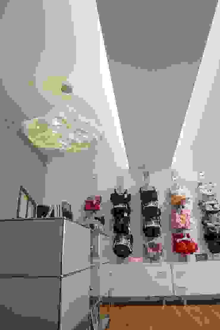 Lichtkonzeption Lingerie Mireel, Saarbrücken Ladenflächen von Bolz Licht und Wohnen · 1946