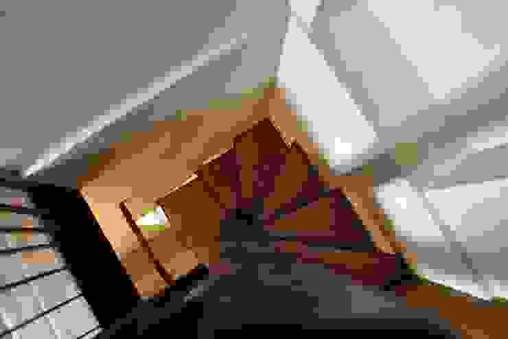 Nowoczesny korytarz, przedpokój i schody od Elia Falaschi Fotografo Nowoczesny