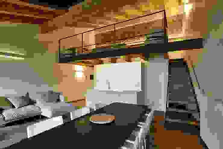 CASTELLO CECONI - INTERNI Sala da pranzo moderna di Elia Falaschi Fotografo Moderno