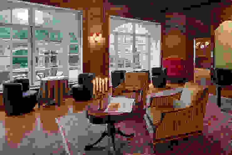 Manoir du Cleuyou Jardin d'hiver classique par architektur-photos.de Classique