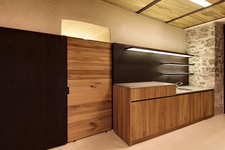 Moderne Küchen von Elia Falaschi Photographer Modern