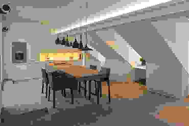 Dining Table tredup Design.Interiors Modern Dining Room