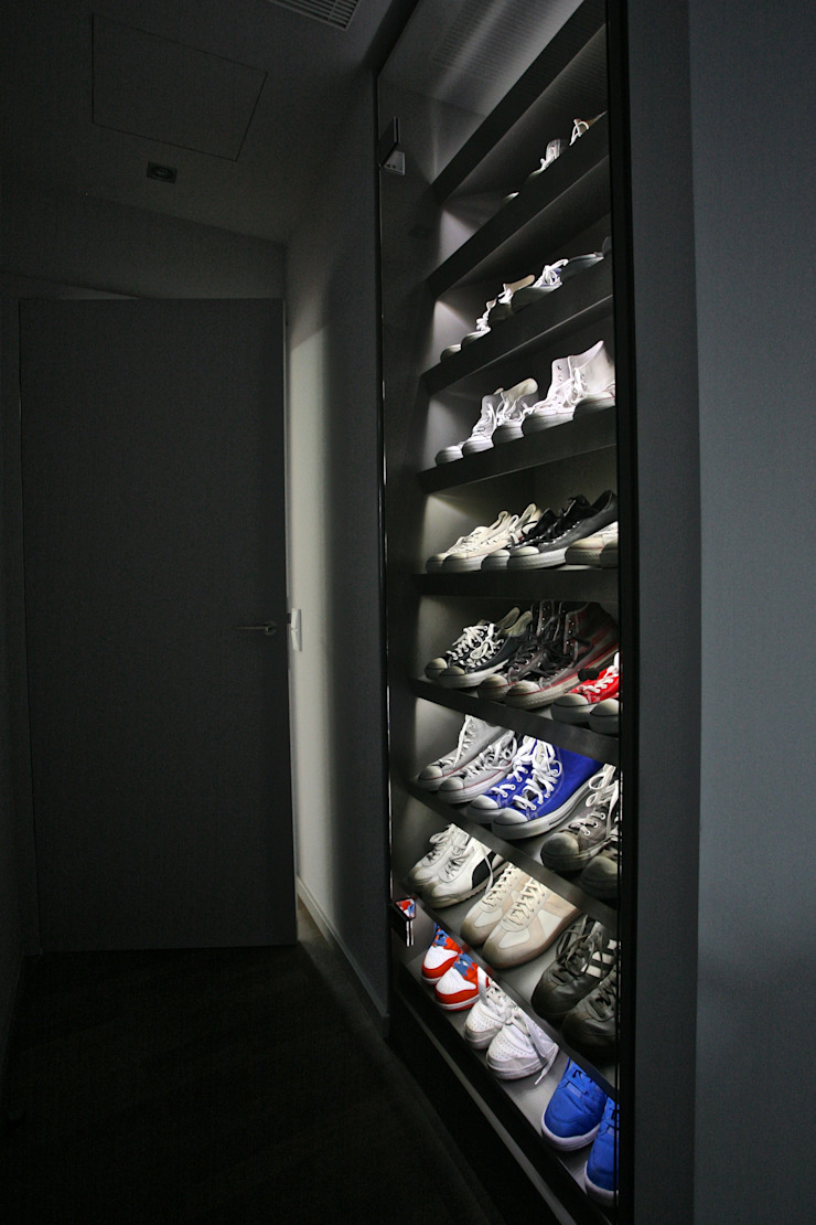 Sneaker Showcase tredup Design.Interiors Corridor, hallway & stairsDrawers & shelves