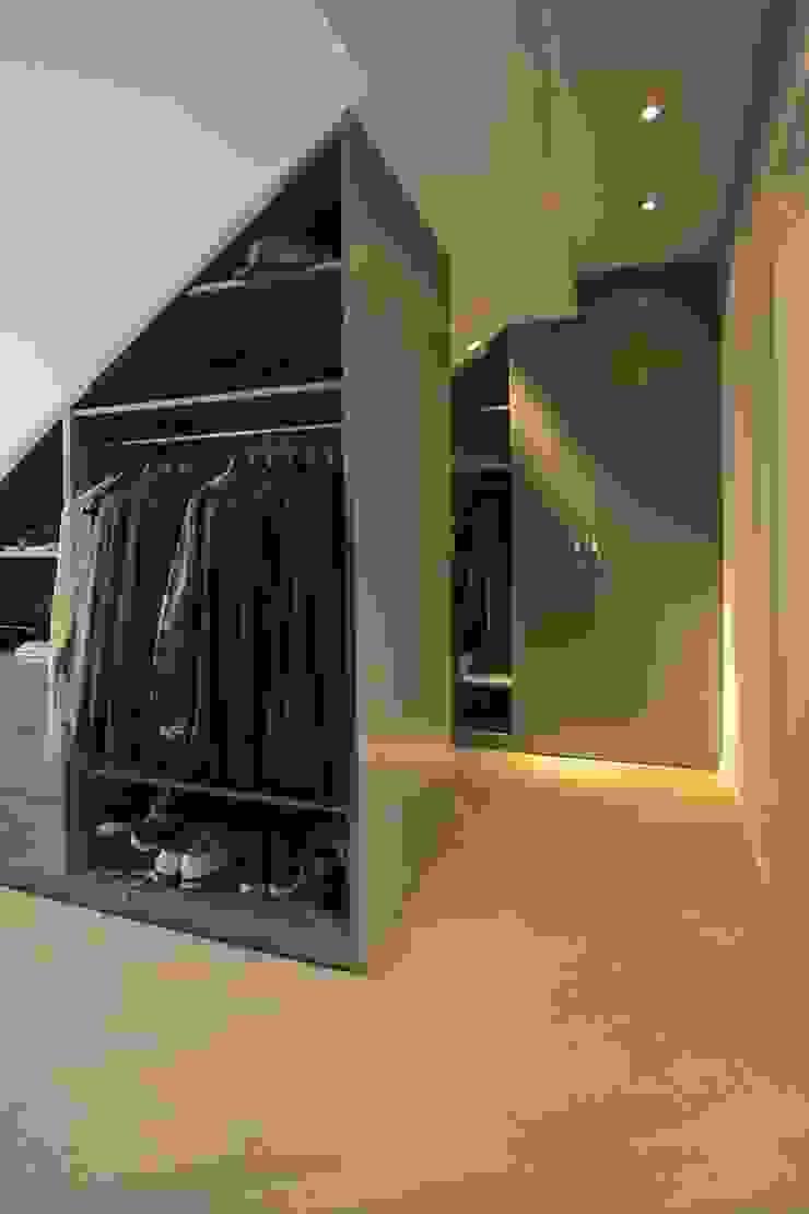 Wardrobe tredup Design.Interiors Modern Dressing Room