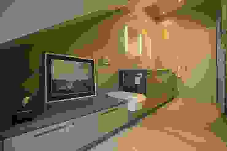 Sink and Toilet tredup Design.Interiors Modern Bathroom