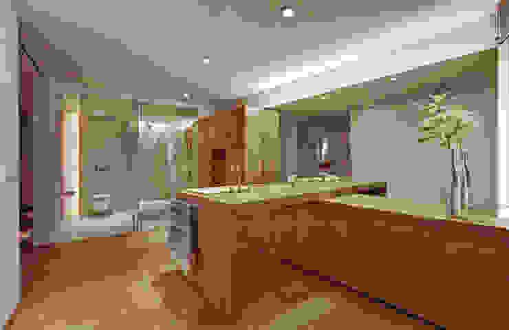 Departamento Polanco 1 Salle de bain moderne par Lopez Duplan Arquitectos Moderne