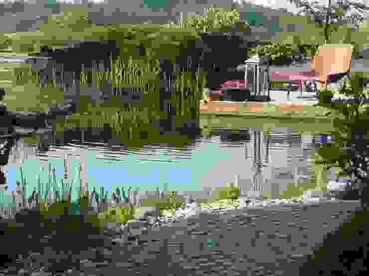 Jardines de estilo mediterráneo de Gärten für Auge und Seele Mediterráneo