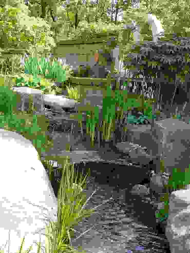 Bachlauf Gärten für Auge und Seele Mediterraner Garten