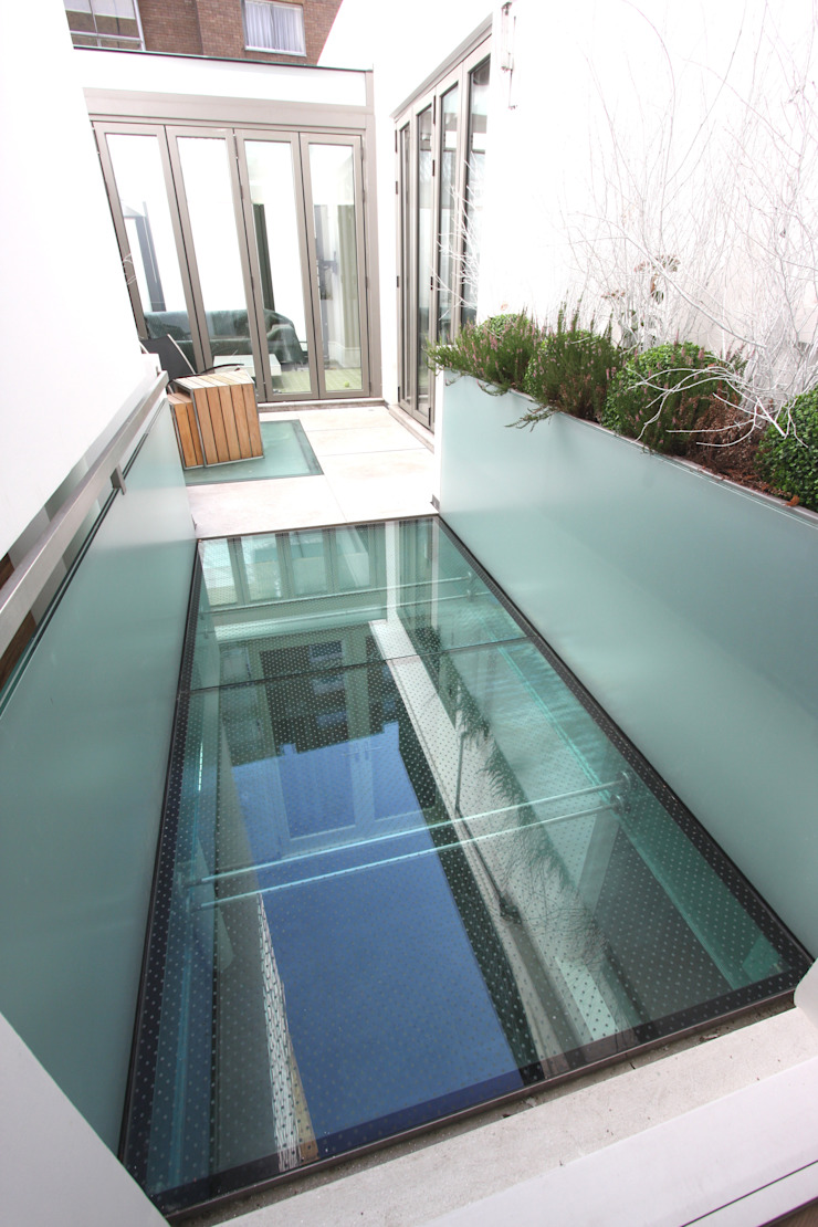 Lowndes Square Minimalist style garden by IQ Glass UK Minimalist