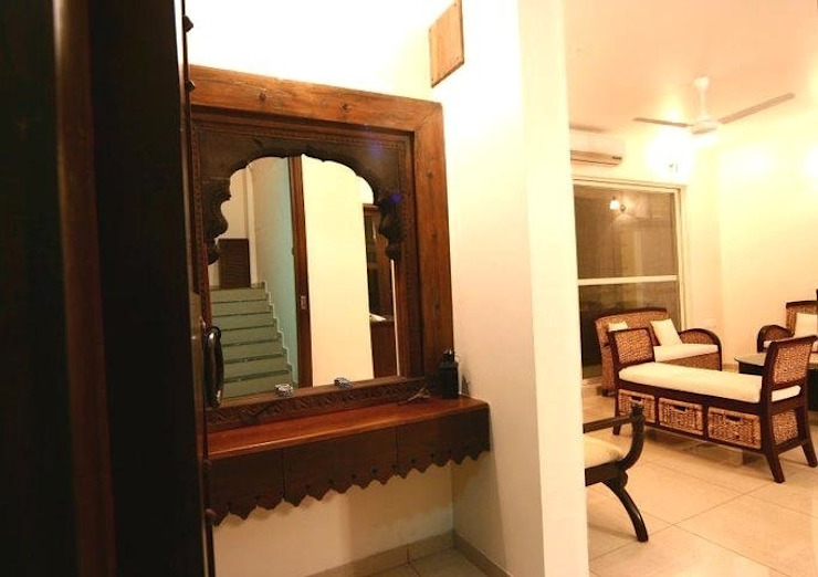 Interior projects Rustic style houses by Uttara And Adwait Furniture Rustic