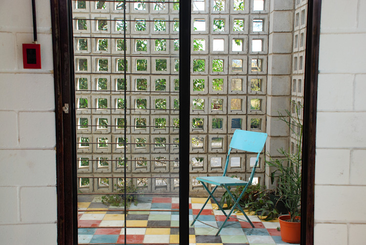 Casa La Blanca Jardines de invierno industriales de MULA.Arquitectos Industrial