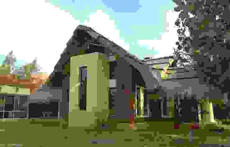 Solares de la Laguna – CLUB HOUSE Bares y clubs de estilo rústico de D'ODORICO ARQUITECTURA Rústico