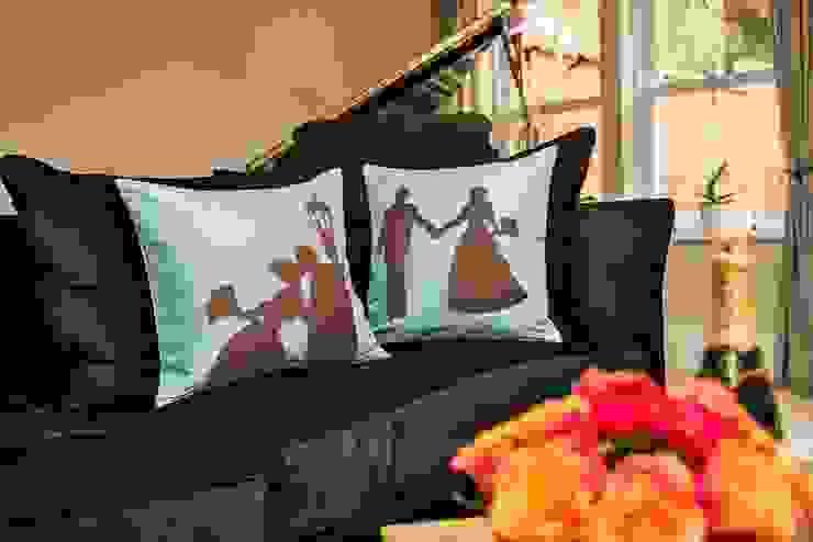 Wedding Handmade Silk Cushions: classic  by Le Cocon, Classic