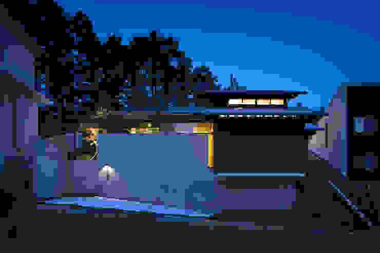 Casas modernas de 設計組織DNA Moderno