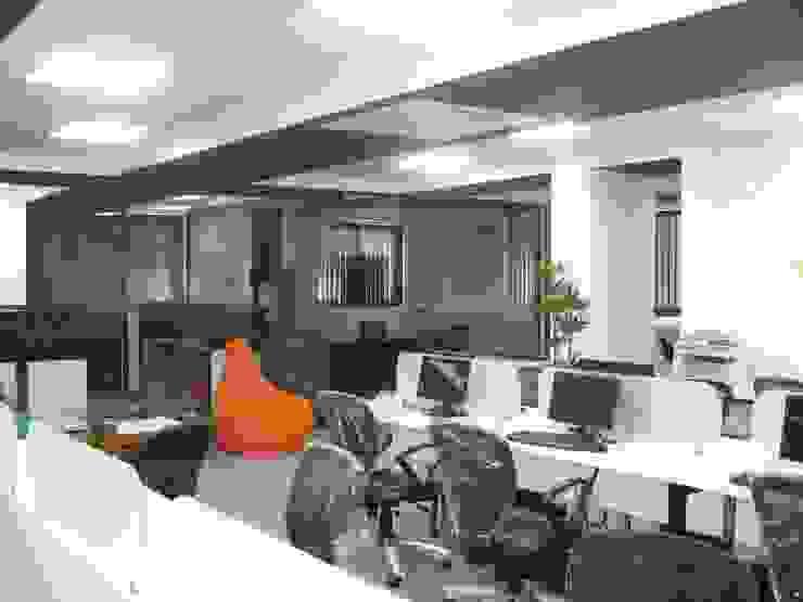 Office Interiors: modern  by MRN Associates,Modern