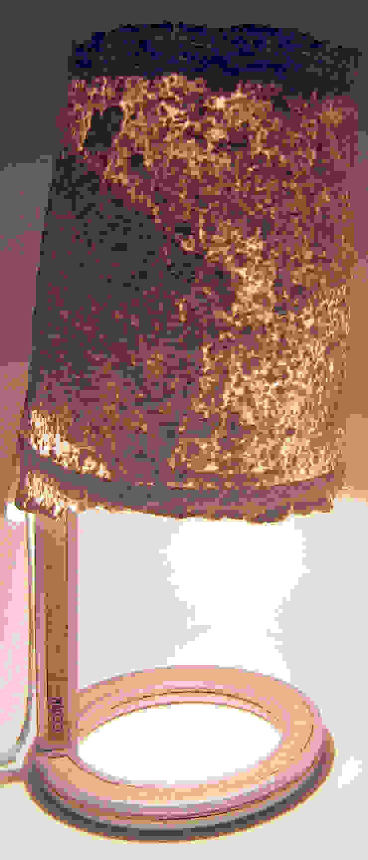 Lampe Cork éclairée par Kaksi design Minimaliste