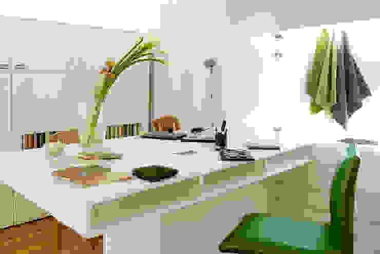 Maharam de México Modern study/office by usoarquitectura Modern