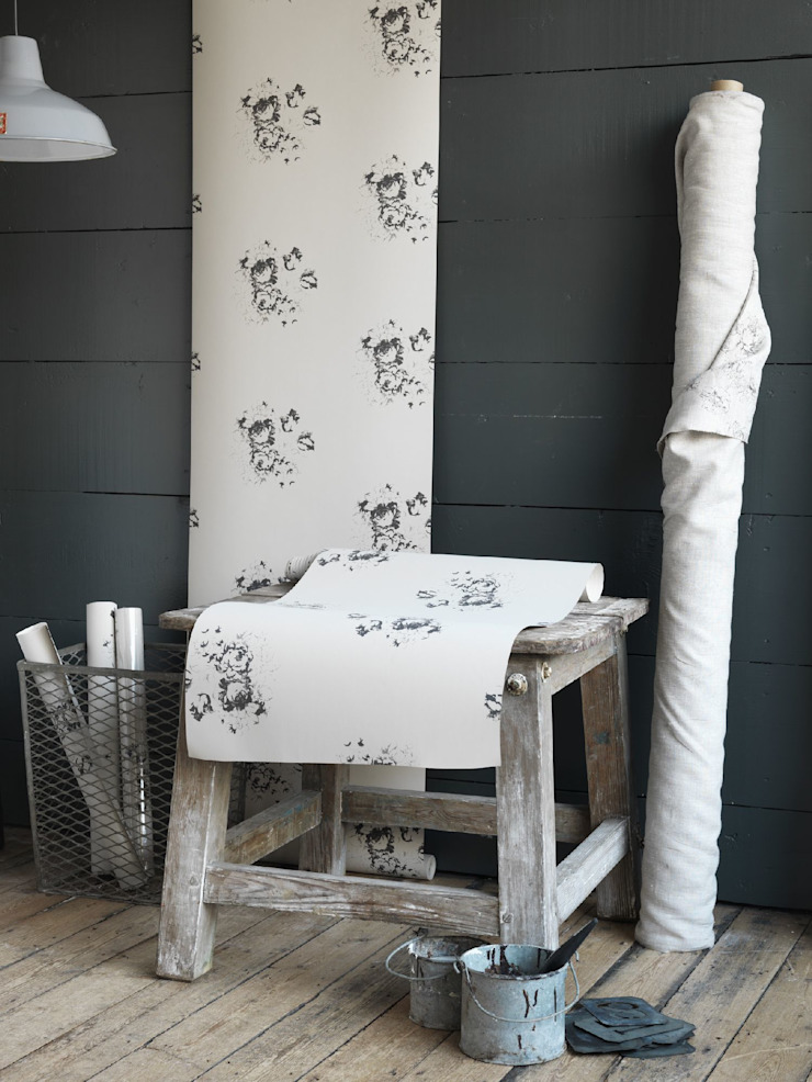 Natural Hatley Black Wallpaper by Cabbages & Roses