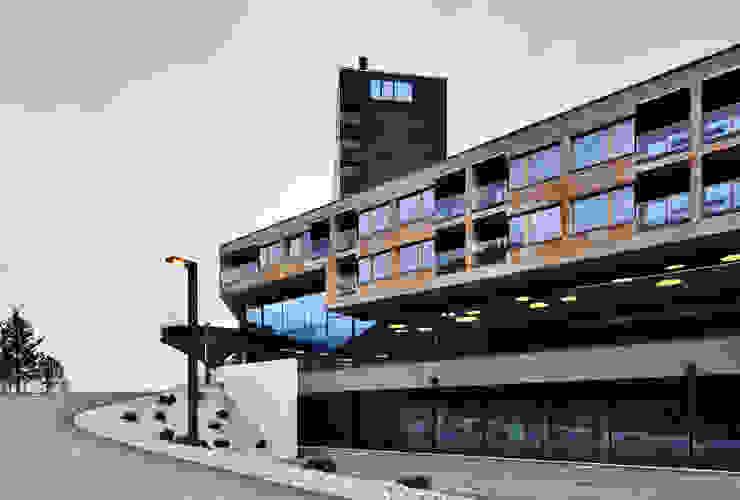 Gradonna Mountain Resort Case in stile industriale di Ewo SRL Industrial