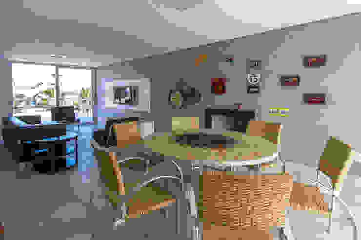 Condomínio Hanga Roa I Varandas, alpendres e terraços modernos por Arquitetura Pini Moderno