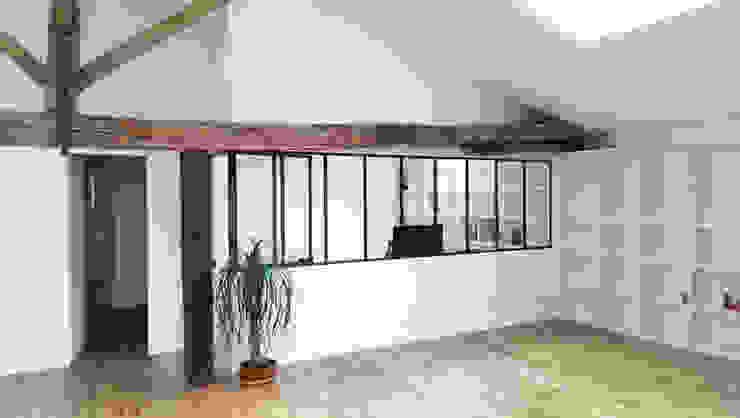 Aménagement de combles à Verneuil sur Vienne Jean-Paul Magy architecte d'intérieur Bureau minimaliste