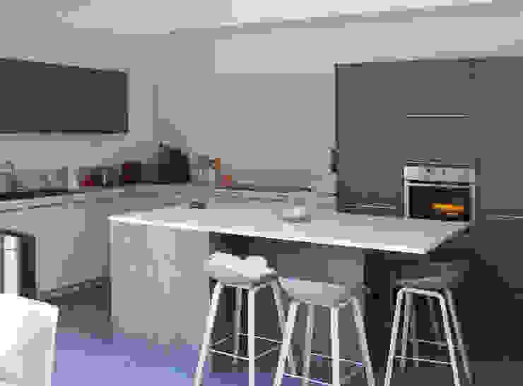 Cocinas modernas de Jean-Paul Magy architecte d'intérieur Moderno