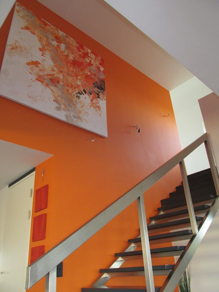 Planungsbüro GAGRO Classic style corridor, hallway and stairs