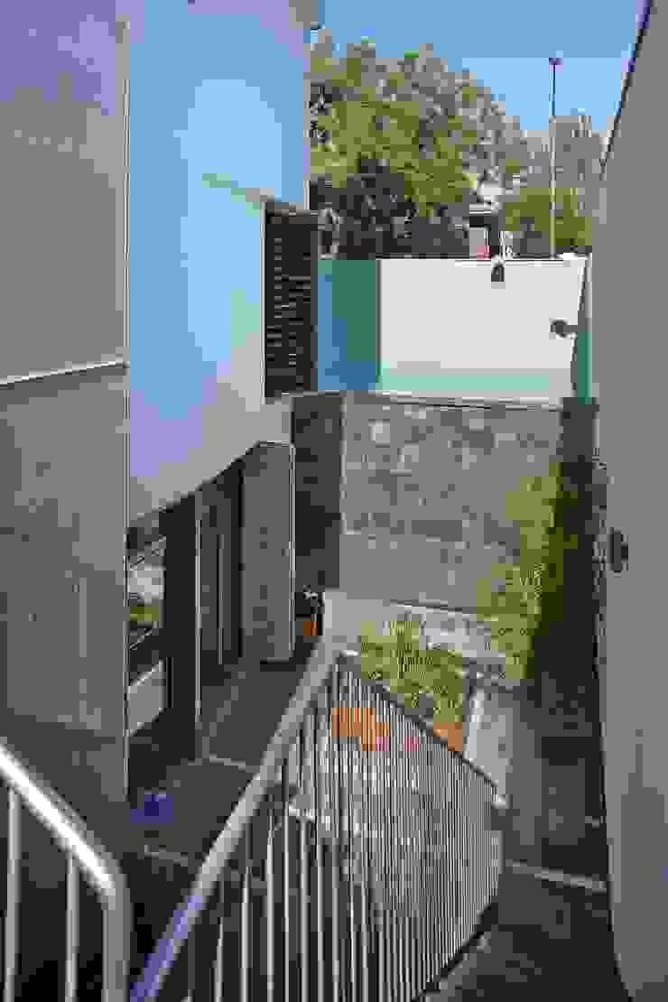 JARDINES DE LAS OFICINAS Jardines de estilo moderno de JoseJiliberto Estudio de Arquitectura Moderno