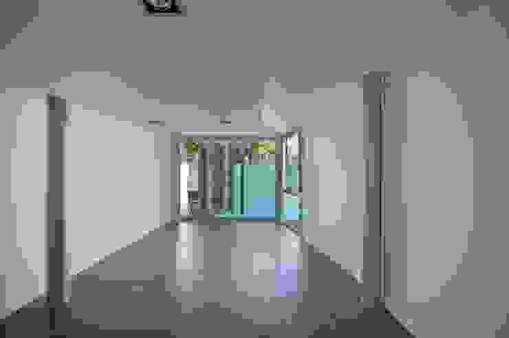 SALON Salas de estilo moderno de JoseJiliberto Estudio de Arquitectura Moderno