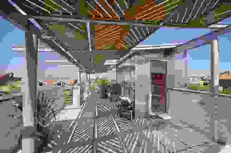TERRAZA DE CUBIERTA Balcones y terrazas de estilo moderno de JoseJiliberto Estudio de Arquitectura Moderno