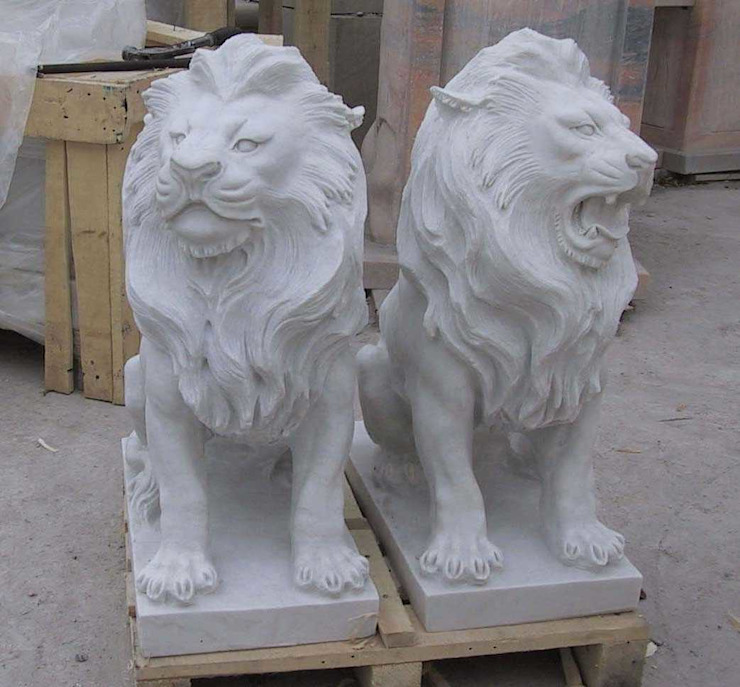 Stone Animals : Lion/Tiger by G.K. Corp