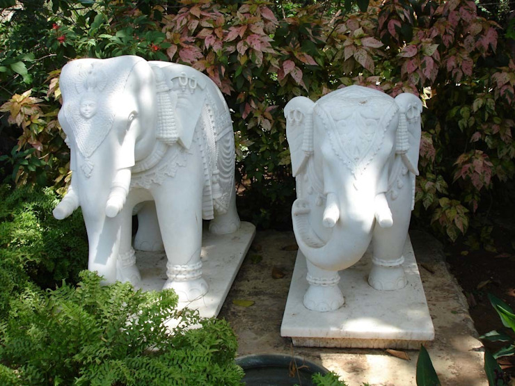 Marble Animals : Elephant:  Artwork by G.K. Corp