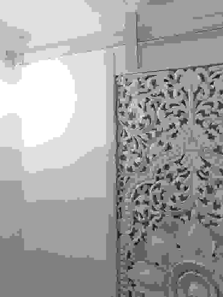 Vicente Galve Studio Asian style window and door