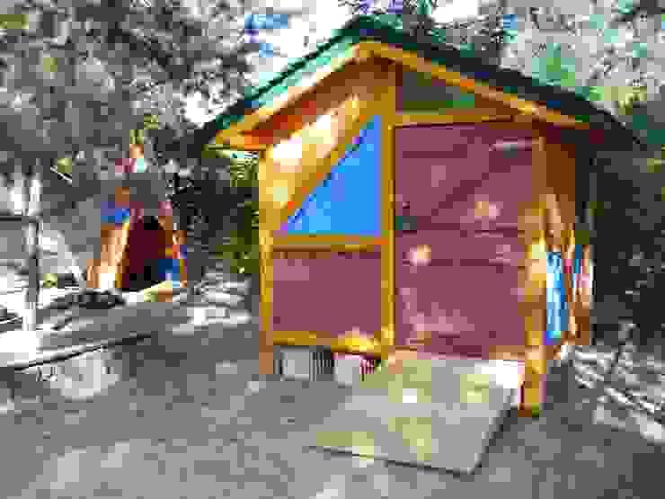 Waldkindergarten Eichwalde Gartenhaus von Houtwerken - Spielgeräte 'Spielräume im traditionellen Holzbau'