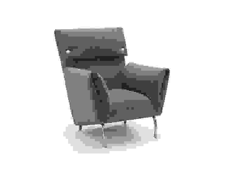 GOIA sofá y butaca de BELTÁ & FRAJUMAR Moderno