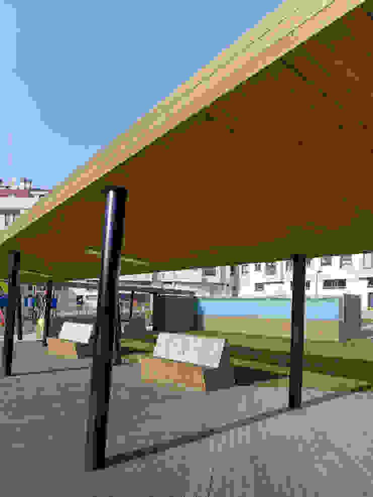 Complejo Lúdico-Deportivo La Florida (Vigo) Piscinas de NAOS ARQUITECTURA