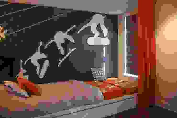 Chambre à coucher de garçon Chambre d'enfant moderne par CMC Designer Moderne