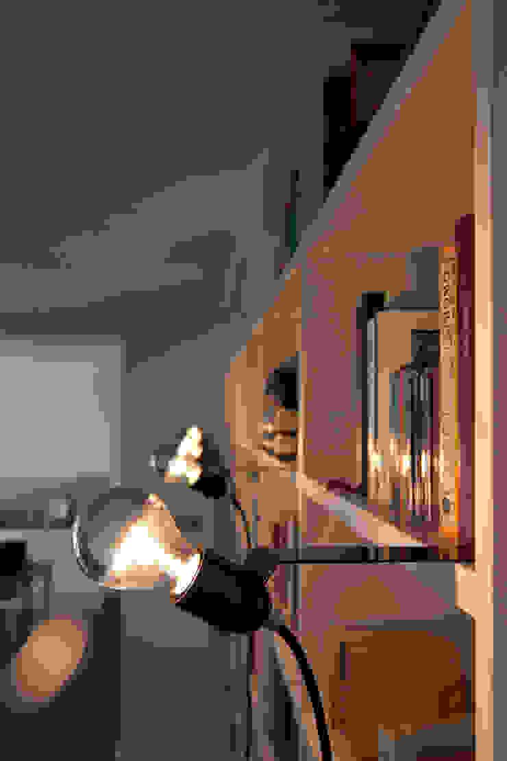 Skipper Regalschiebeleuchte: industriell  von toshi Berlin,Industrial