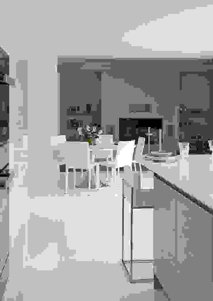 Purity Cocinas modernas de Mowlem&Co Moderno