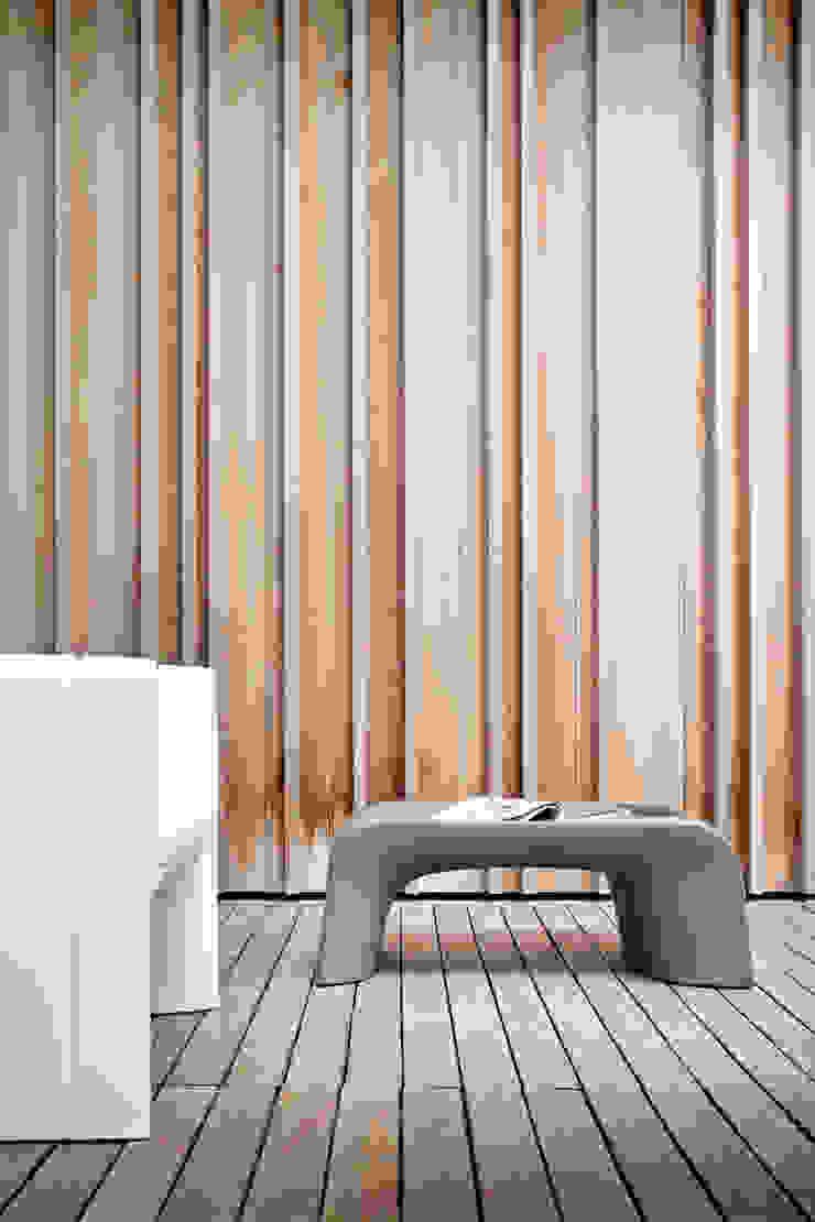 GROOVE di 21st-design Moderno