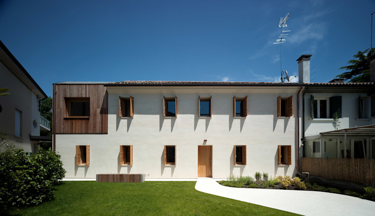 Modern Houses by Massimo Galeotti Architetto Modern