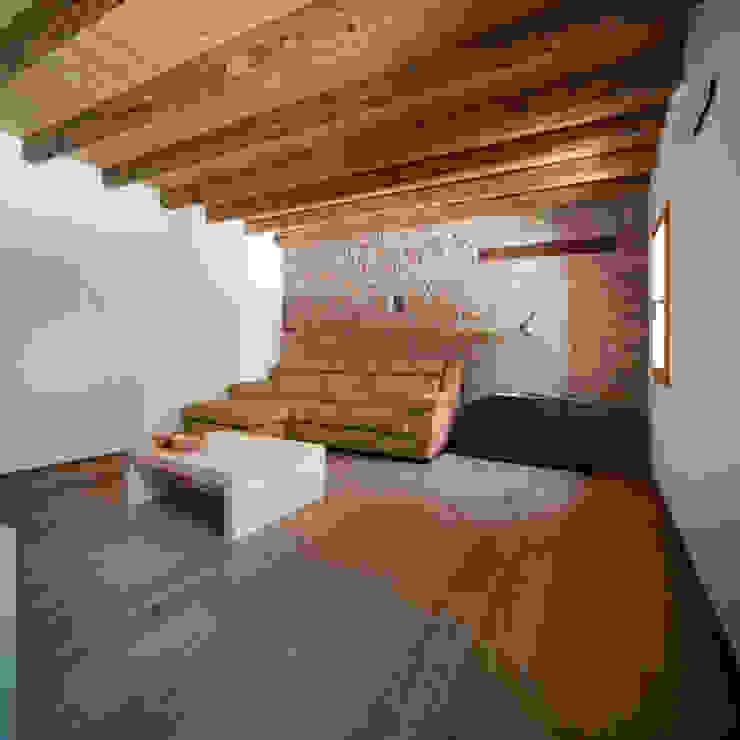 Casa Fiera Soggiorno moderno di Massimo Galeotti Architetto Moderno Laterizio