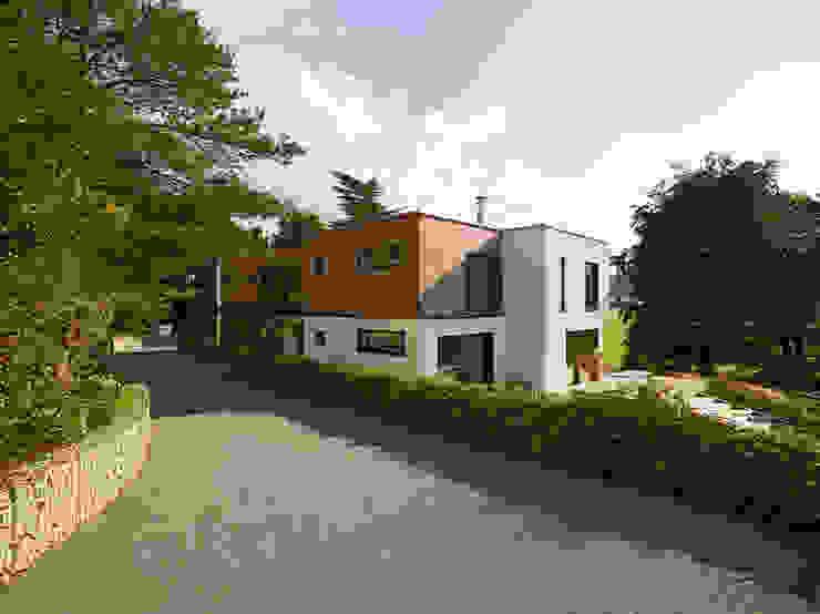 Modern houses by Bau-Fritz GmbH & Co. KG Modern