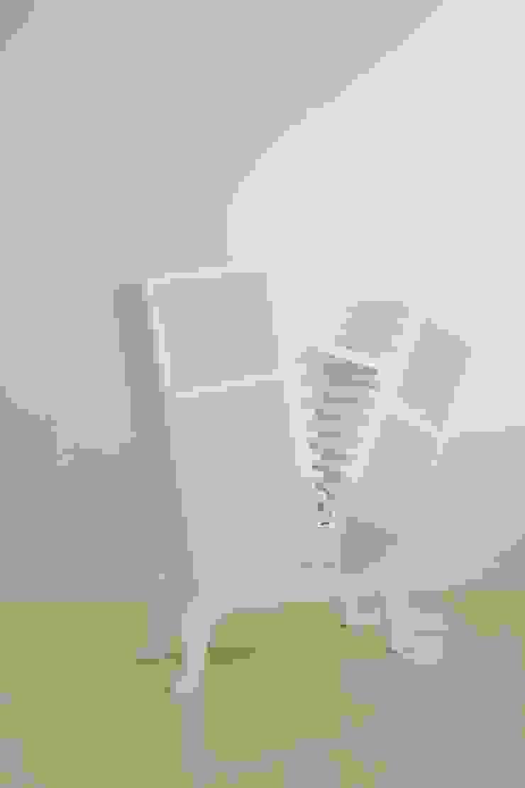 modern  by Studio KANALI, Modern